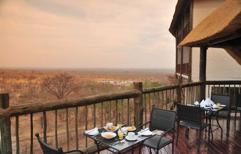 Victoria Falls Safari Club - Restaurant - 14