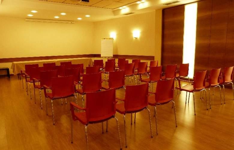 Condes de Haro - Conference - 13