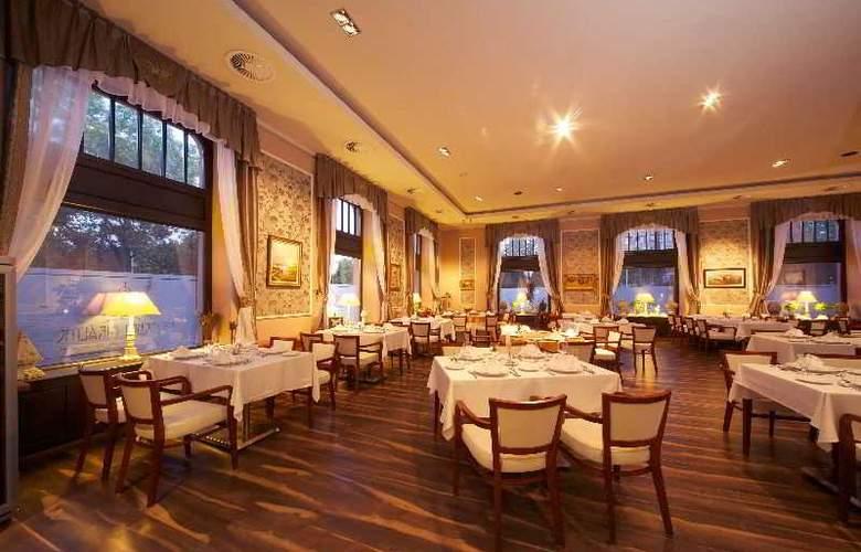 Queen Elizabeth - Restaurant - 3