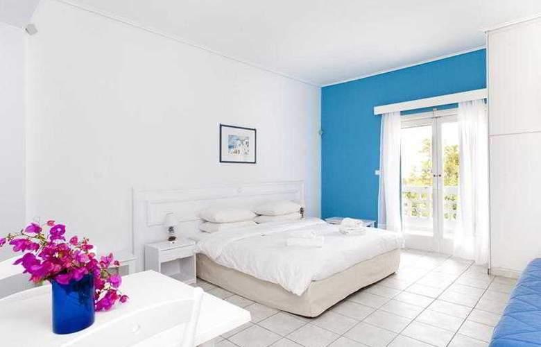 Daphne´s Club Hotel Apartments - Pool - 2