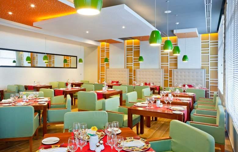 Ocean Vista Azul - Restaurant - 10