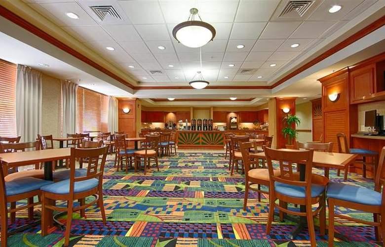Best Western Plus Kendall Hotel & Suites - Restaurant - 133