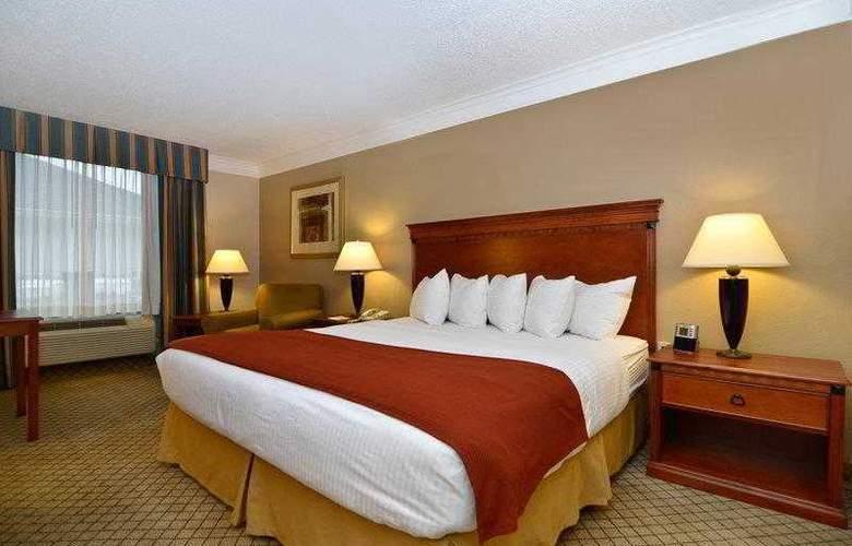 Best Western Plus Madisonville Inn - Hotel - 1