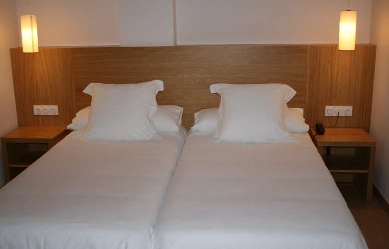 Al Sur Apartamentos Turísticos - Room - 1