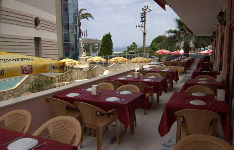 Kalamaki Beach - Restaurant - 13