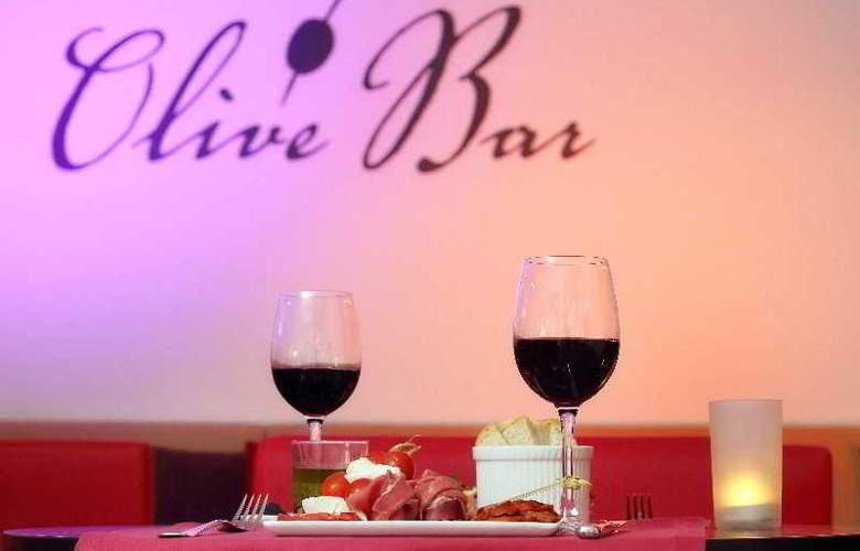 Vale d'Oliveiras Quinta Resort SPA - Bar - 21