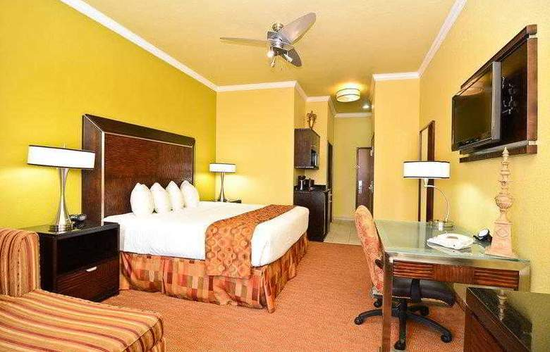 Best Western Plus Christopher Inn & Suites - Hotel - 38