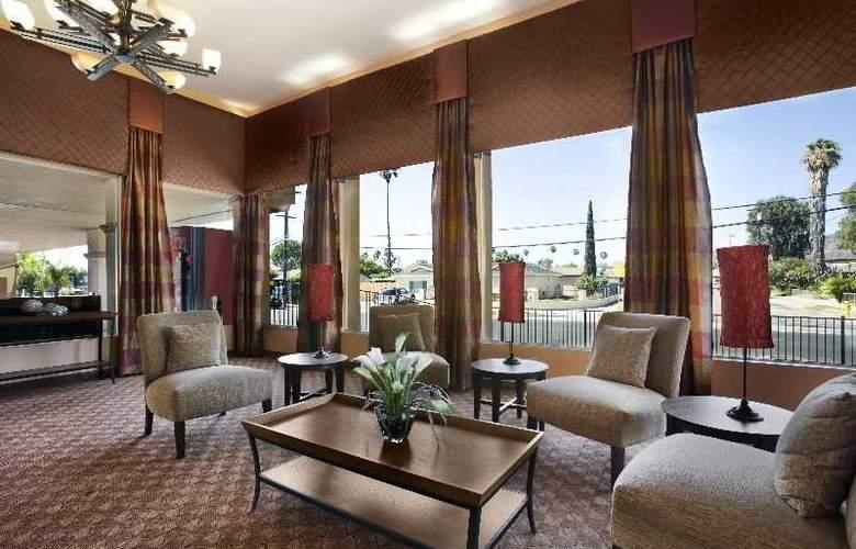 Days Inn & Suites - General - 1