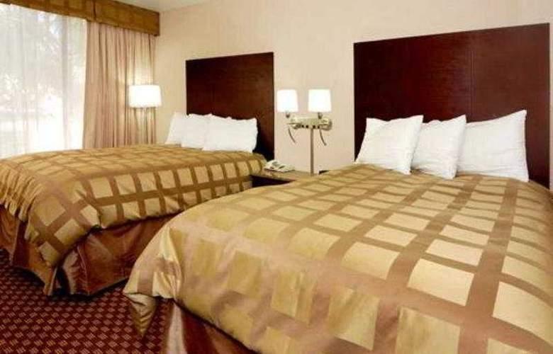 Quality Inn & Suites - Room - 7