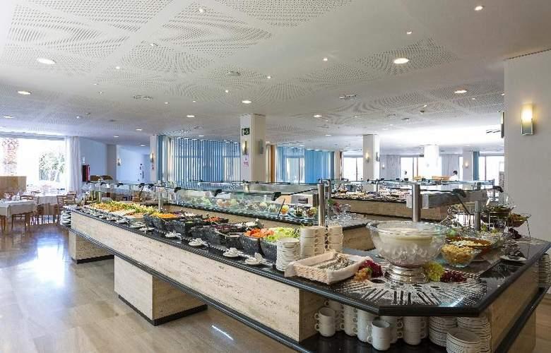 Grand Palladium Palace Ibiza Resort & Spa - Restaurant - 30