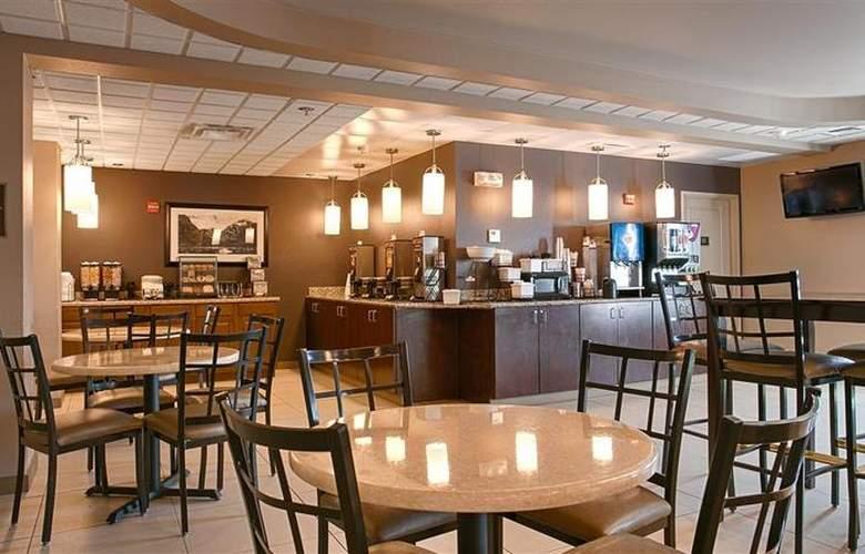 Best Western Plus Chena River Lodge - Restaurant - 50
