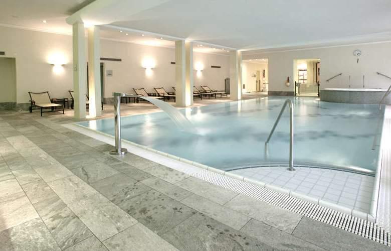 Steigenberger Grandhotel Belvédère Davos - Pool - 3