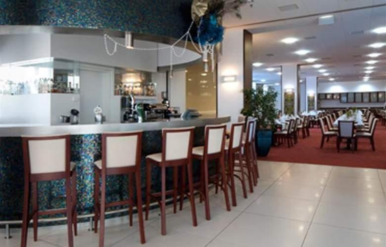 Best Western Premier - Restaurant - 34