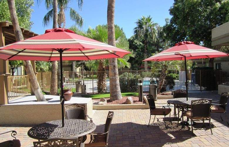 Best Western Tucson Int'l Airport Hotel & Suites - Pool - 127