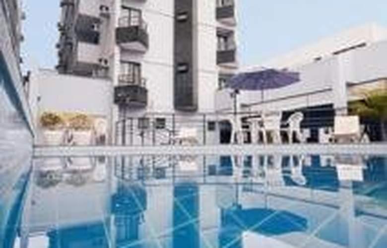 Plaza Inn Executive - Pool - 1