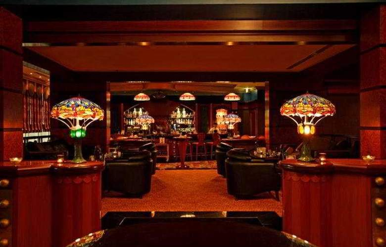 Al Raha Beach - Bar - 10