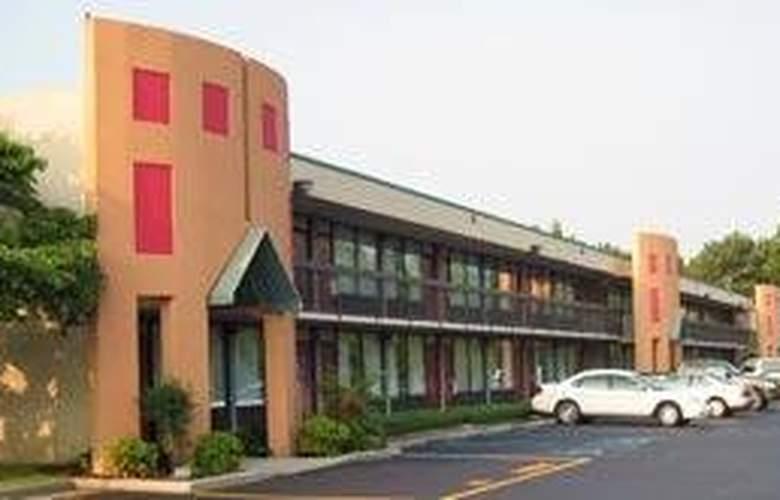 Quality Inn Roanoke Airport - Hotel - 0