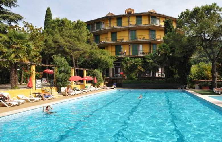 Palme & Suite - Hotel - 0