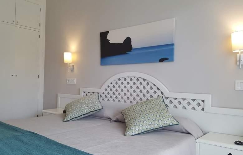 Pinos Playa - Room - 5