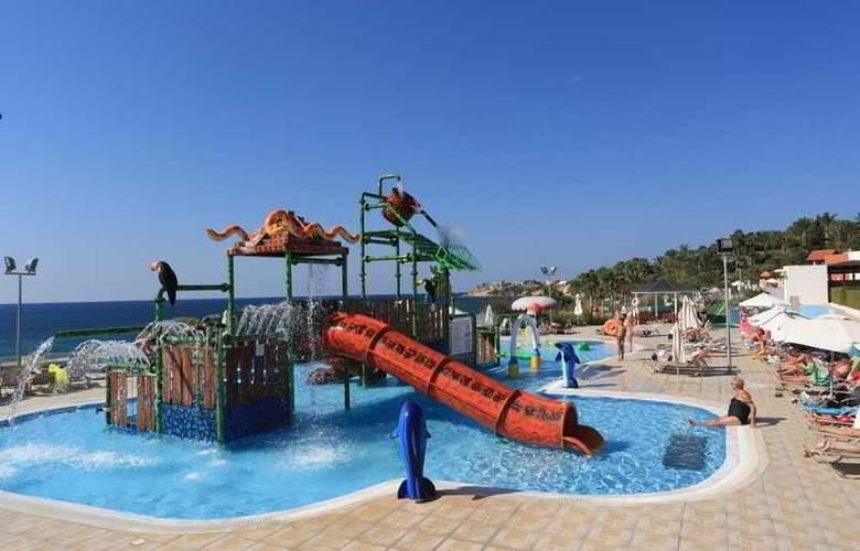 Aquasol Holiday Village - Pool - 12