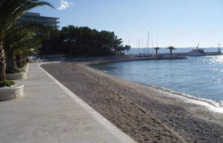 Villa Javor - Beach - 5