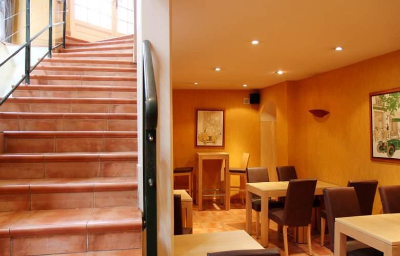 Comfort Hotel Montmartre Place du Tertre - Restaurant - 3