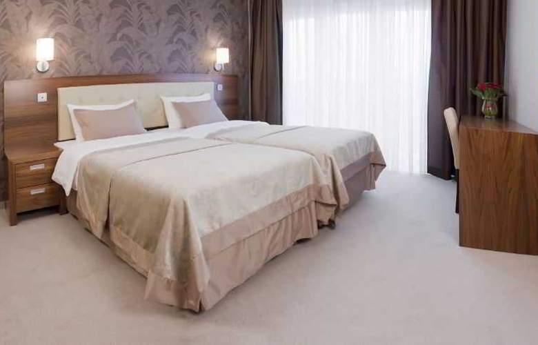 Hotel Platinum - Room - 9