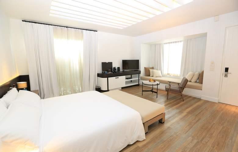 Celes Beachfront Resort - Room - 5