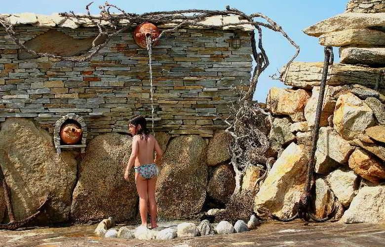 Cavos Bay Hotel & Studios - Pool - 9