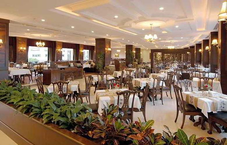Delphin Palace - Restaurant - 11