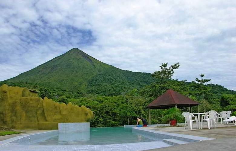 Lomas del Volcan - Pool - 9