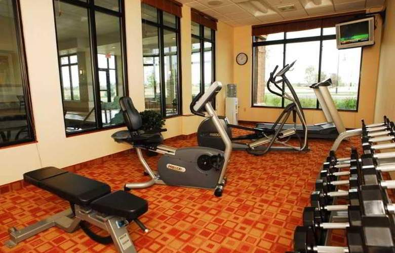 Hilton Garden Inn Oconomowoc - Sport - 10
