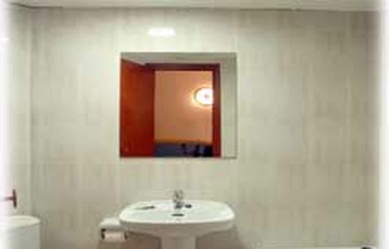 Pensión Miami - Room - 3