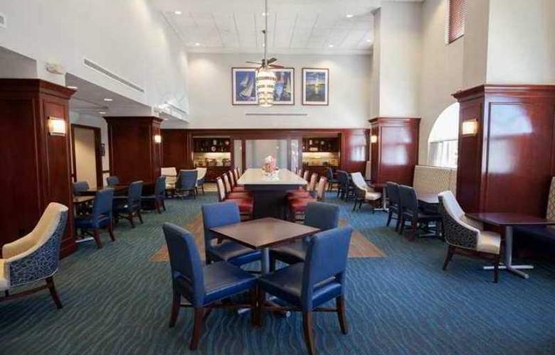 Hampton Inn & Suites Newport Middletown - Hotel - 3