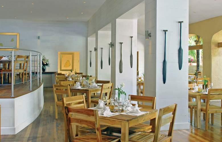 Mauricia Beachcomber Resort & Spa - Restaurant - 34