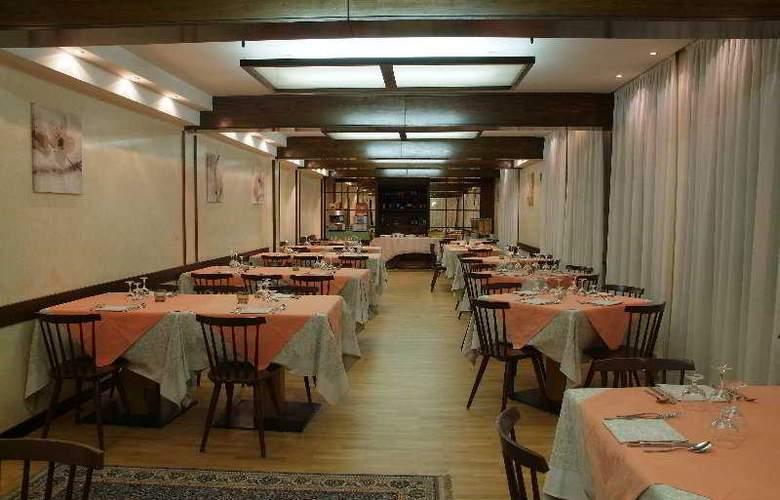 Italo - Restaurant - 5