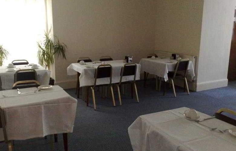 Central Hotel - Restaurant - 3
