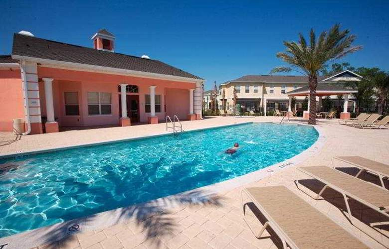 Coral Cay Resort by Sky Hotels & Resorts - Pool - 3