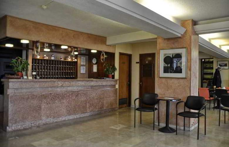 Atlantis Hotel - General - 1