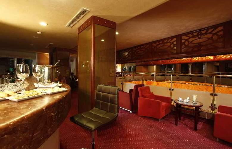 Tunis Grand Hotel - Bar - 11