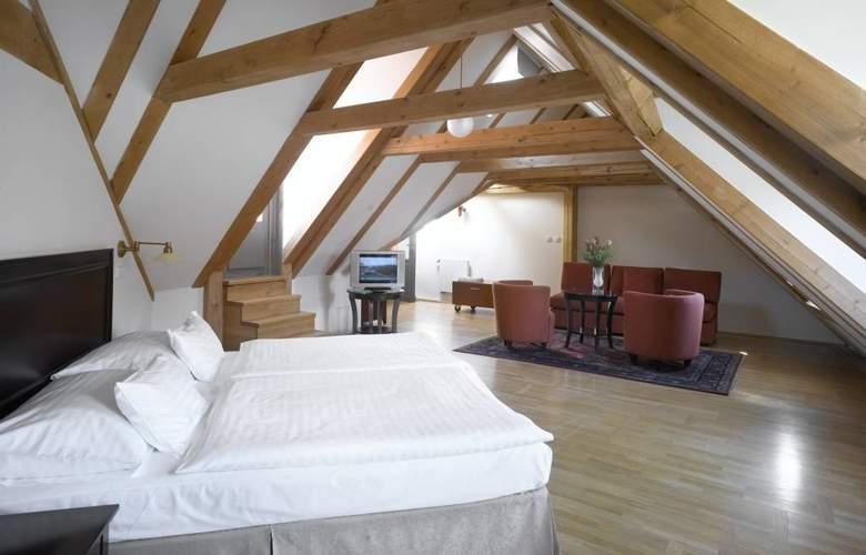 Lokal Inn - Room - 5