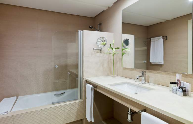 H10 Estepona Palace - Room - 13