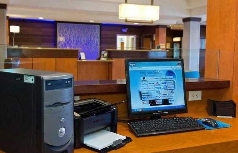 Fairfield Inn & Suites Lawton - Hotel - 3