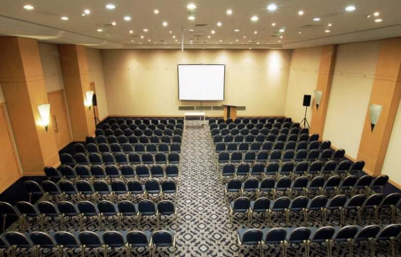Ramada Plaza Curitiba Rayon - Conference - 4