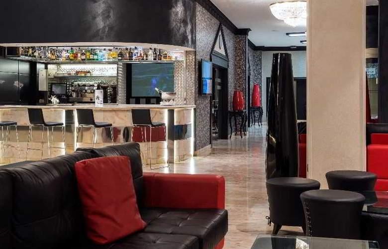 Salles Malaga Centro - Bar - 21