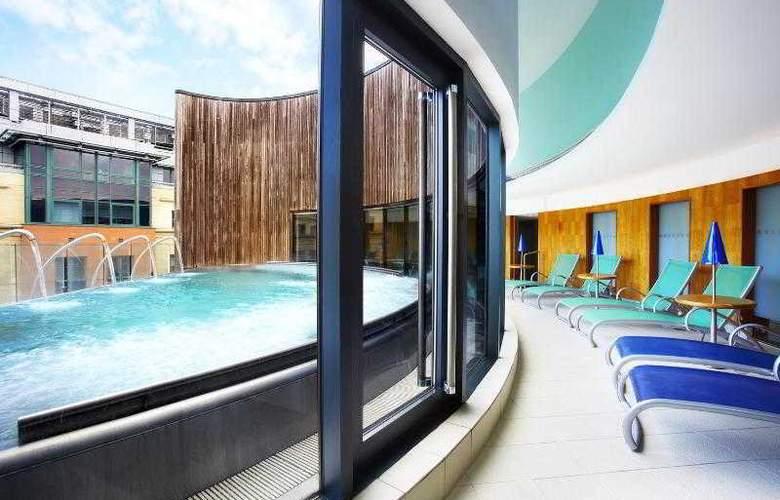 Sheraton Grand Hotel & Spa Edinburgh - Pool - 37