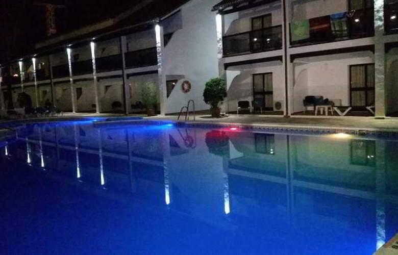 OH Diana Park - Pool - 15
