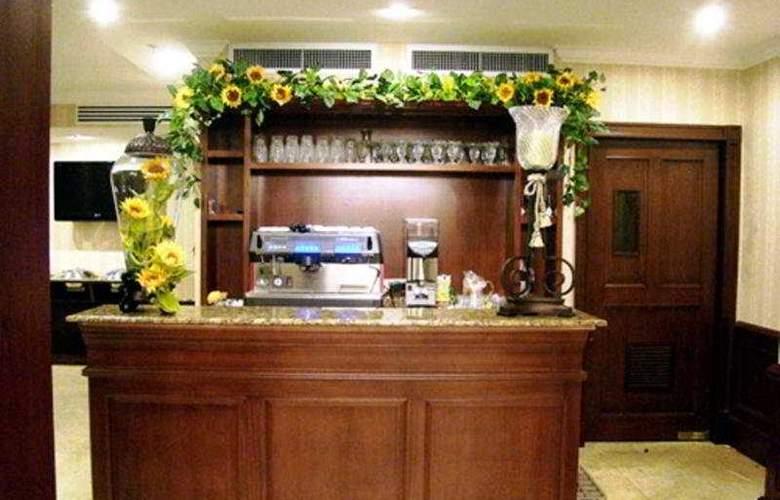 Toscana Inn - Bar - 2