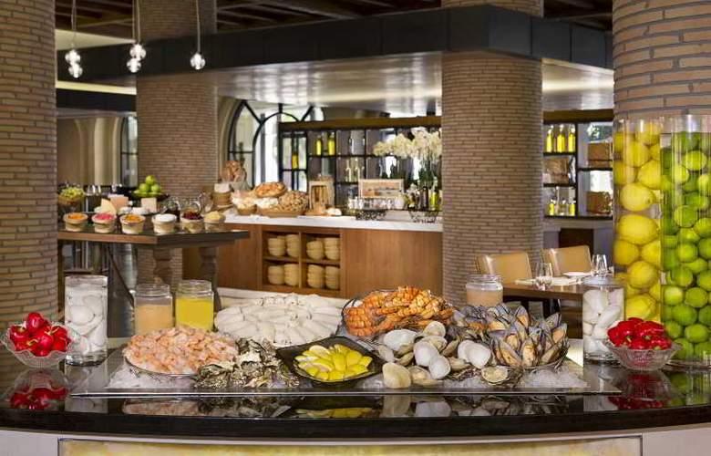 The Ritz Carlton Abu Dhabi, Grand Canal - Restaurant - 23