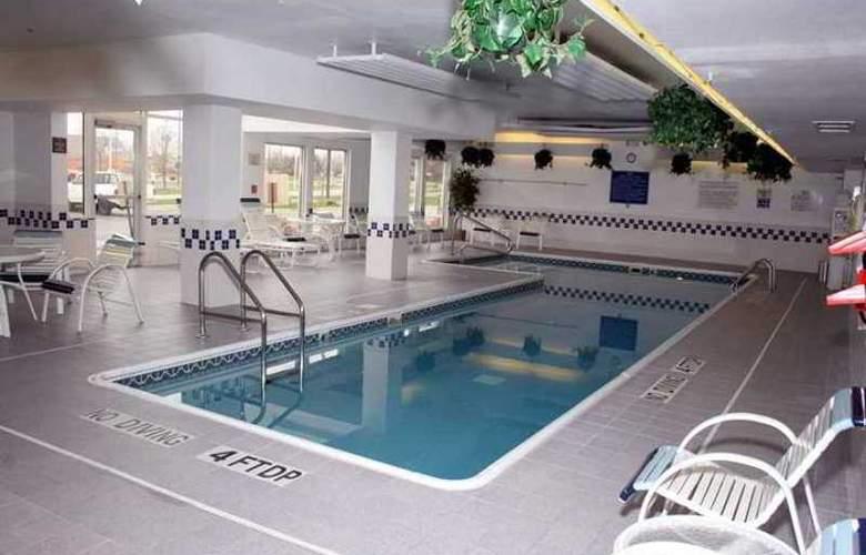 Hampton Inn & Suites Ft. Wayne-North - Hotel - 3